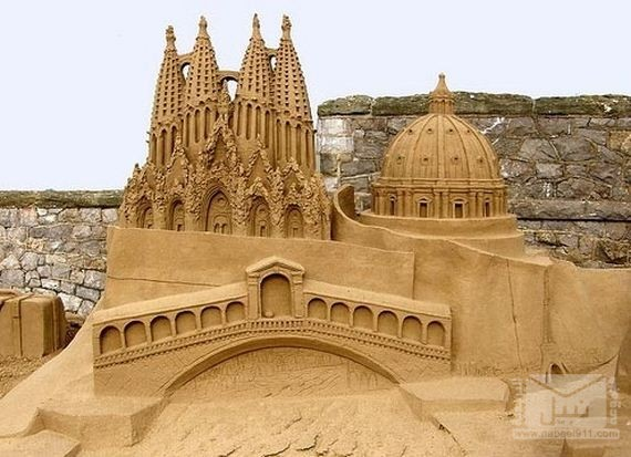12-Epic-Works-Of-Art-Made-With-Sand