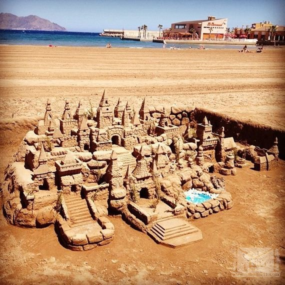 14-Epic-Works-Of-Art-Made-With-Sand