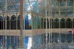 قصر مذهل بألوان قوس قزح